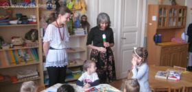 Вицепрезидентът Маргарита Попова посети българското училище и българската детска градина, които са базирани в сградата на Българското републиканско самоуправление в Унгария.